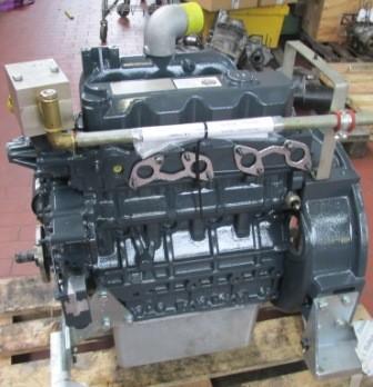AT-Motor mit Zylinderkopf Typ: 4A220Gas