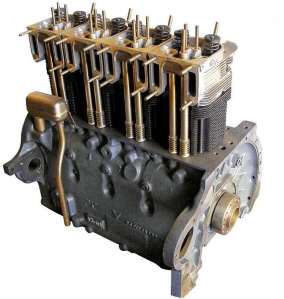 AT-Motor F4L Deutz