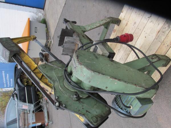 Behringer Maschinenbügelsäge für den Metallbau